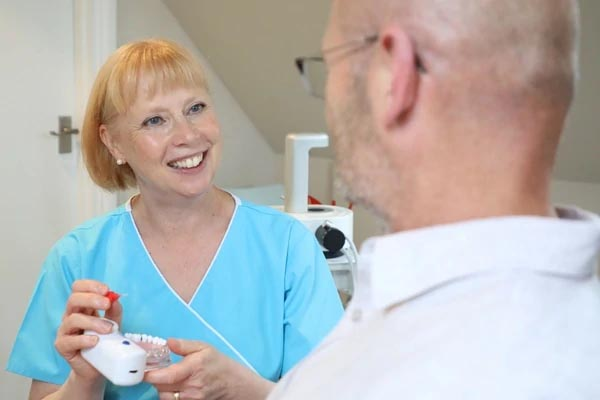 dental hygienist in eastbourne